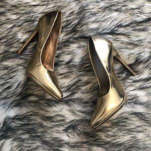 Qupid metallic gold pointed toe stiletto